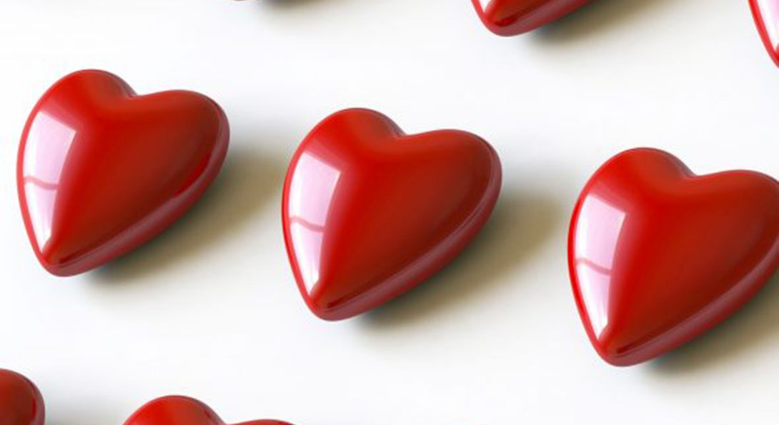 red glossy hearts